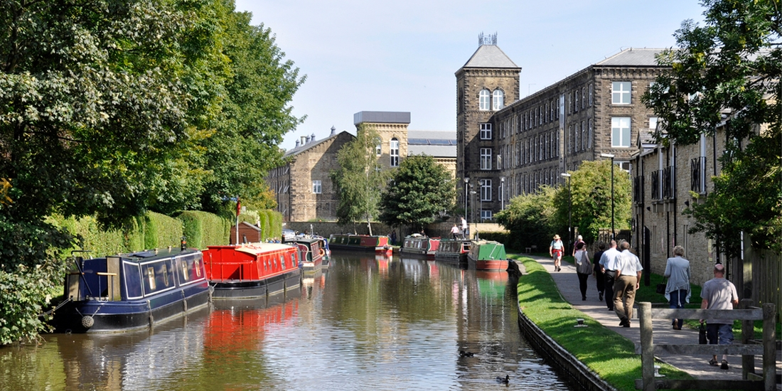 Day Trip Narrow Boat Hire | Pennine Cruisers